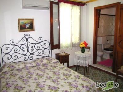 Camera da letto 103