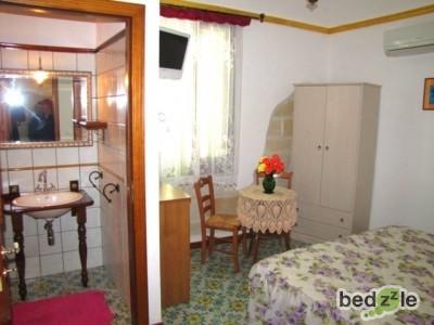 Camera da letto 104