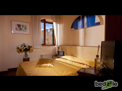 bed and breakfast pisa bed and breakfast giardino towerinn. Black Bedroom Furniture Sets. Home Design Ideas