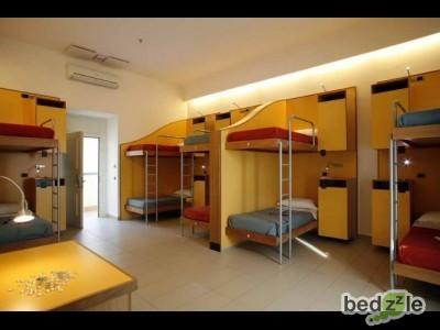 Camera 10 letti con bagno