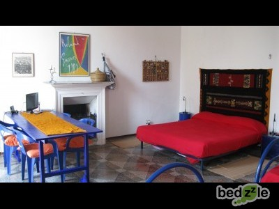 bed and breakfast torino bed and breakfast 78 scalini. Black Bedroom Furniture Sets. Home Design Ideas