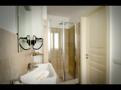 Affitta camere Porta Reale Rooms
