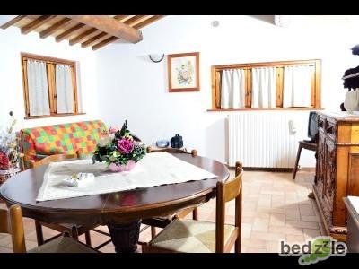 appartamento con camera da letto