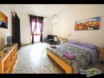Violet Room - B&B Rossonapoletano Naples
