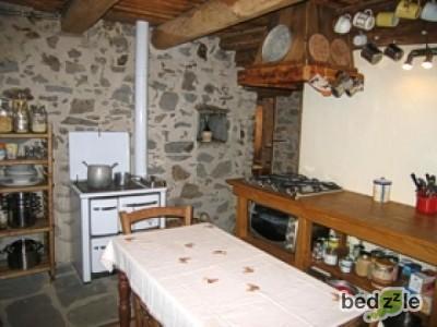Casa vacanza massa carrara casa vacanza la bedina for Interni di case antiche